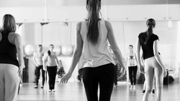 Dance tanssillinen menevä tunti