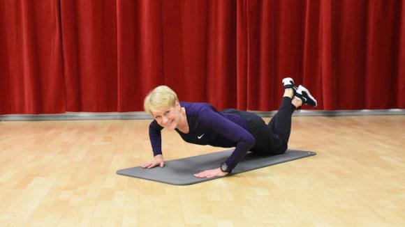Fustra kehitti Leena Harkimon kehonhallintaa ja lihaskuntoa.