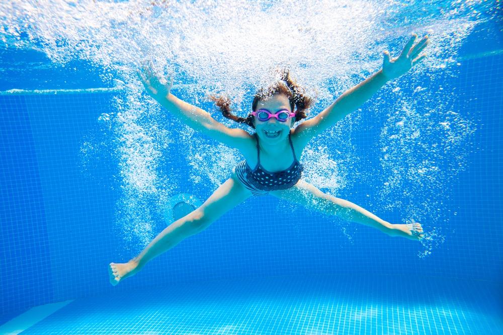 Uinti auttaa niska- ja hartiajumeihin