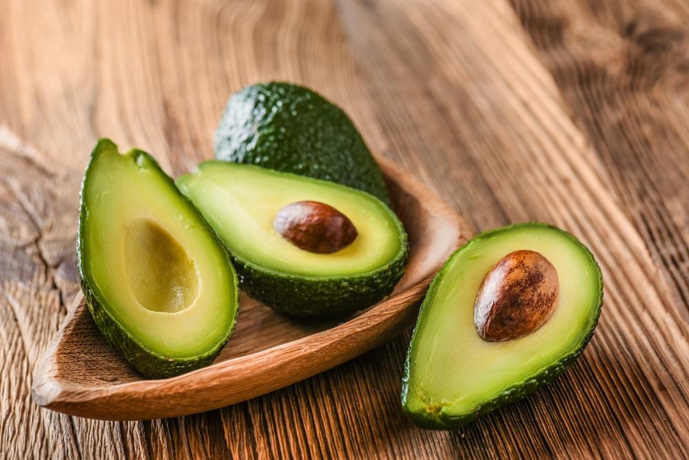 Avocado -smoothie vie kielen mennässään