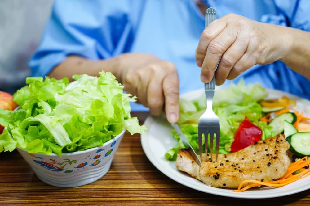 ikäihmisen ravinto